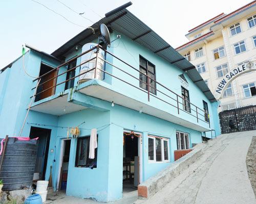 Wiederaufbau der Häuser nach dem Erdbeben in Nepal