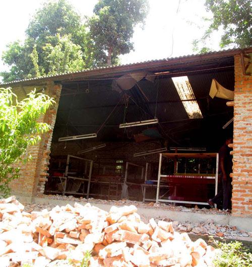 Zerstörte New SADLE Produktion in Nepal nach Erdbeben