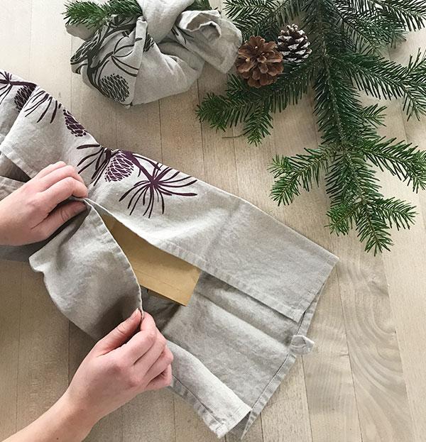 hessnatur Geschenkverpackung Schritt 1