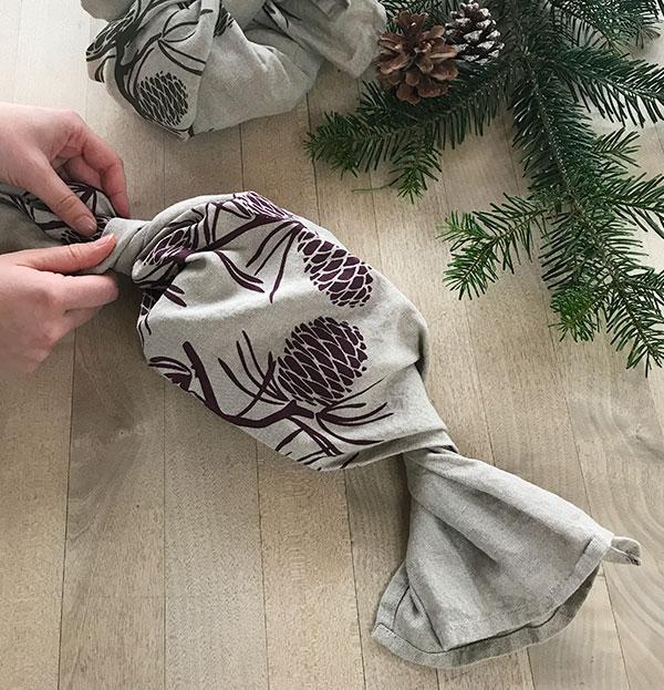 hessnatur Geschenk verpacken Schritt 2