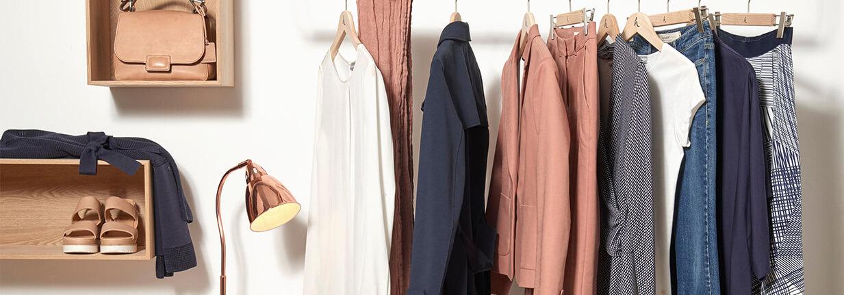 Capsule wardrobe minimalismus im schrank hessnatur magazin for Minimalismus kleidung