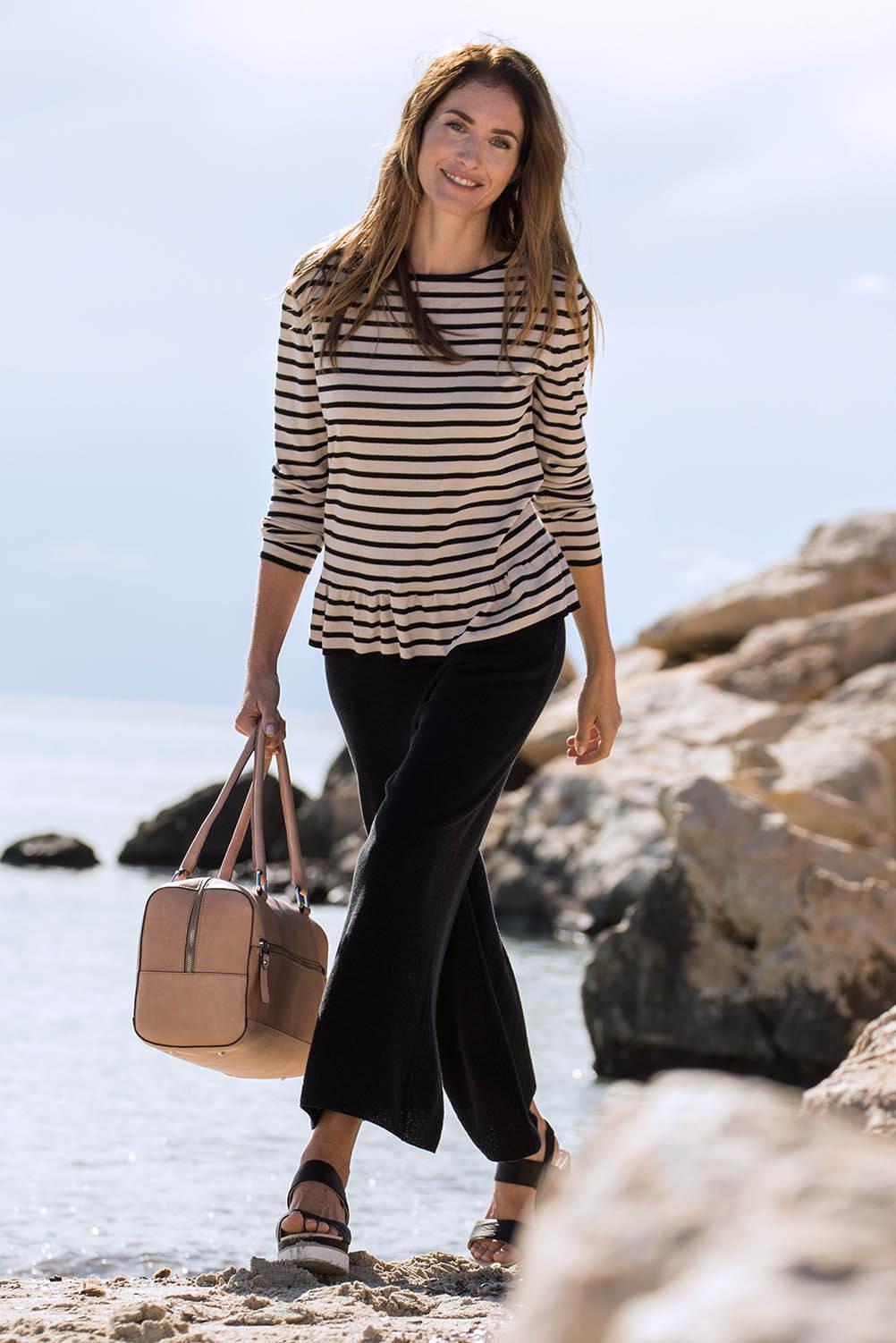 hessnatur-rueschen-romantische-sommer-stylings-streifen-pullover